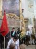 Schneidige Fahnenträger und Begleitung in der Michaelskirche